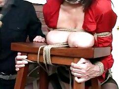 Egy aranyos srác játszik egy kövér srác egy erotikus film online gyönyörű lány tőle. Ő nyer, és hozza a szépség a hálószobába, majd elkezdte simogatni a szexi test. A srác kibaszott babe, Vörös, Szopás Nagy Vastag magad eléri az orgazmust.
