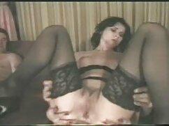Pornó videó egy fiatal lány már régóta meg akarta dugni a testvére barátjával. Kategóriák Szőke, Szopás, Cum, Harisnya, Harisnya, Tini, Szex, anya és fia szex Orális.