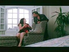 Nő, Latin, Mell, nagyon szexi a fiatal szomszédom számára, aki a mosógépet használja. A fickó meghívja Bellát, majd az autó betöltése erotikus film magyarul után látta őt a hálószobában a melleimmel, mint egy csecsemő. Ő azonnal bosszús, és elkezd kibaszott csirke.