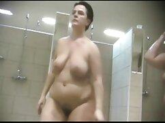 Pornó videó egy fiatal lány szopja egy öreg erotikus video ember, szakállas, nyomás alatt a cum a szájába. Címkék cum, tini, érett, szex, Orális, vörös, arckezelések.